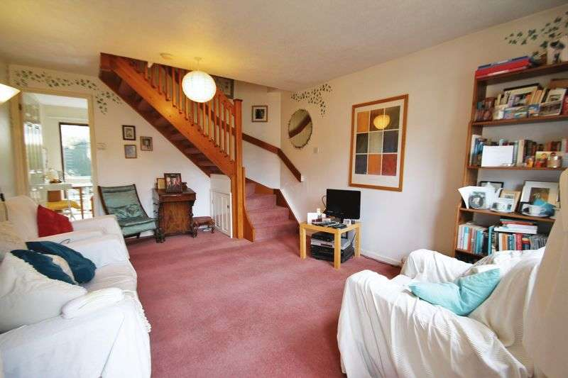 2 Bedrooms Terraced House for sale in Woodhouse Close, Cirencester, Gloucestershire