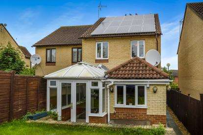 3 Bedrooms Semi Detached House for sale in Hoathly Mews, Kents Hill, Milton Keynes, Buckinghamshire