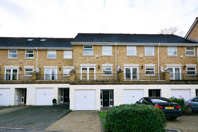 4 Bedrooms Terraced House for sale in Penners Gardens, Surbiton, KT6