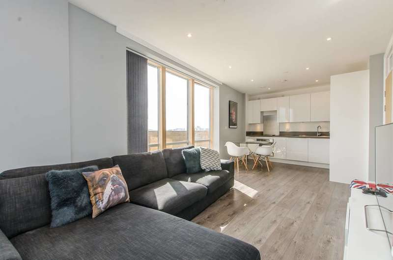 2 Bedrooms Flat for sale in Barry Blandford Way, Tower Hamlets, E3