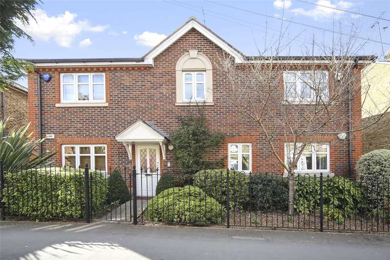 2 Bedrooms Flat for sale in Mitre Court, 53 Heath Road, Weybridge, Surrey, KT13