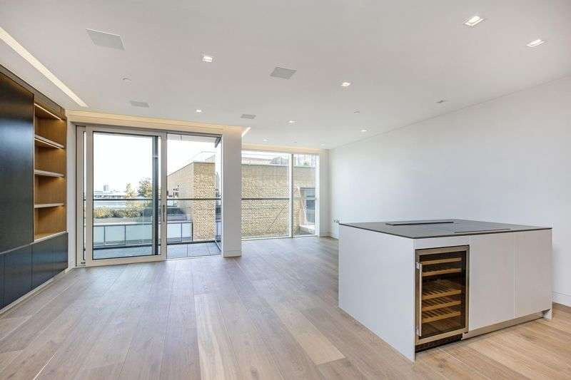 2 Bedrooms Flat for sale in Tudor House, Duchess Walk