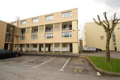 3 Bedrooms Maisonette Flat for sale in Plymouth, Devon