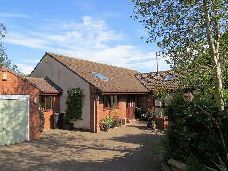 4 Bedrooms Detached Bungalow for sale in Church Lane, Backwell