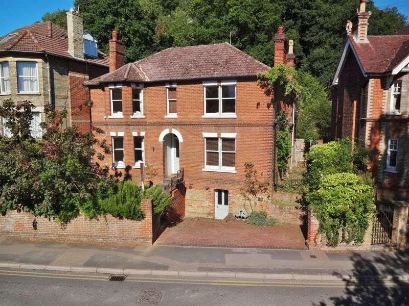 4 Bedrooms Detached House for sale in Charterhouse Road, Godalming