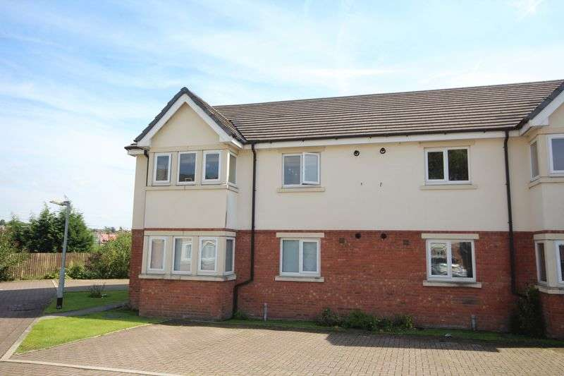 2 Bedrooms Flat for sale in THE OAKLANDS, Castleton, Rochdale OL11 3BZ