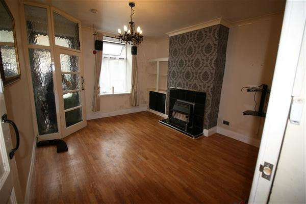 Terraced House for sale in Heap Street