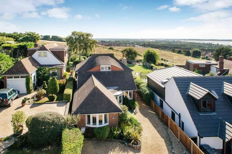 4 Bedrooms Detached House for sale in Farlington, Hampshire