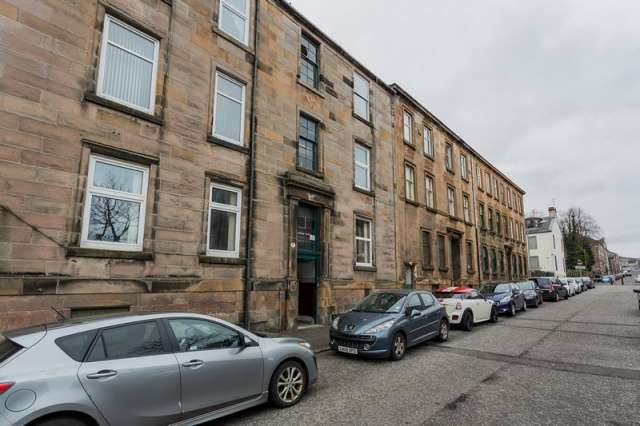 2 Bedrooms Flat for sale in Kelly Street, Greenock, Inverclyde, PA16 8NF