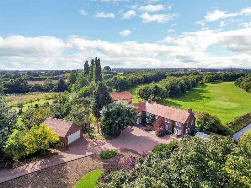 4 Bedrooms Detached House for sale in Station Road, Rolleston