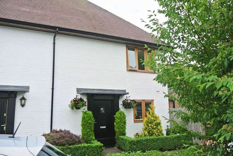 2 Bedrooms Terraced House for sale in Bastien Mews, Canterbury