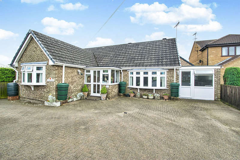 3 Bedrooms Detached Bungalow for sale in Eastrea Road, Whittlesey, Peterborough, PE7
