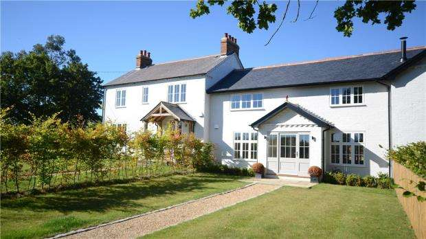 4 Bedrooms Terraced House for sale in Church Lane, Warfield, Berkshire