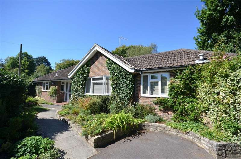 3 Bedrooms Property for sale in Downview Close, Hindhead