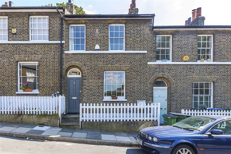 2 Bedrooms Terraced House for sale in Maidenstone Hill, London, SE10