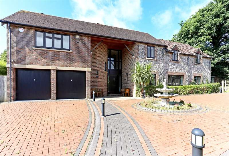 5 Bedrooms Detached House for sale in Wildgoose Drive, Horsham, West Sussex, RH12
