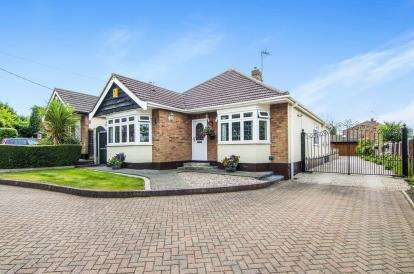 4 Bedrooms Bungalow for sale in Billericay, Essex