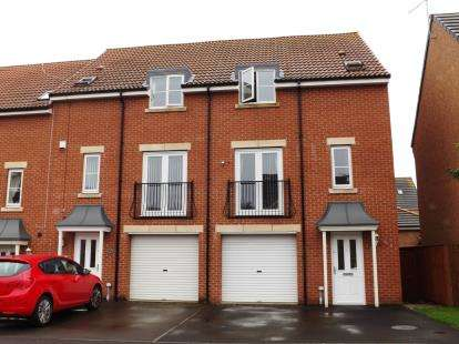 4 Bedrooms End Of Terrace House for sale in Ashmore Gardens, Stockton-On-Tees, Durham