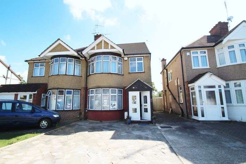 4 Bedrooms Semi Detached House for sale in Holmwood Close, North Harrow