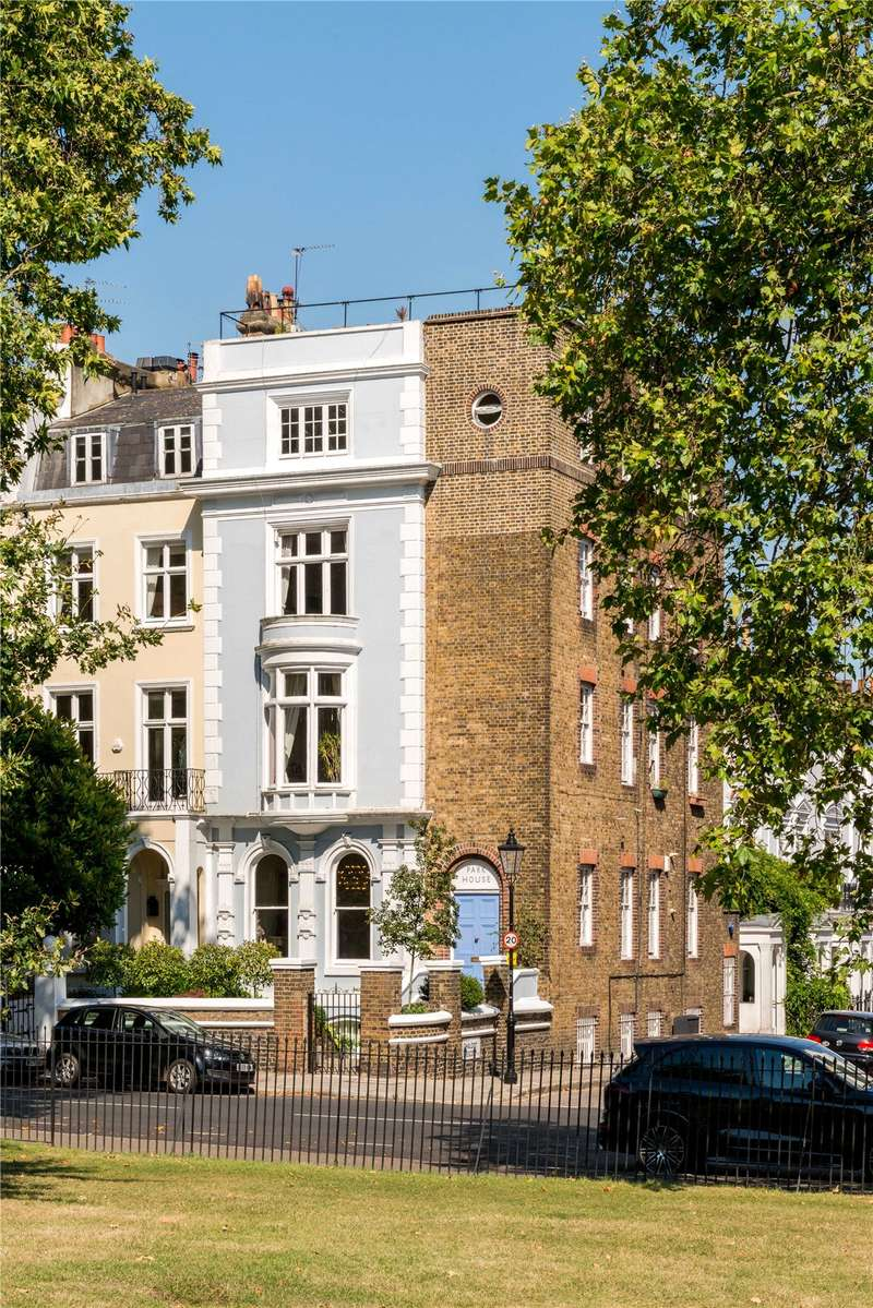 3 Bedrooms Maisonette Flat for sale in Regents Park Road, London, NW1