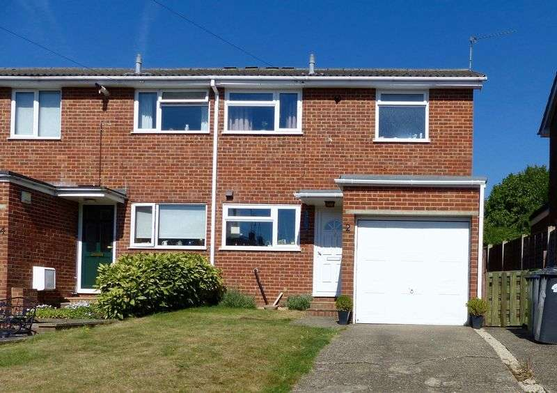 3 Bedrooms Semi Detached House for sale in Marlow.