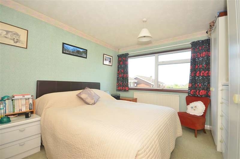3 Bedrooms Link Detached House for sale in Brushwood Road, Horsham, West Sussex