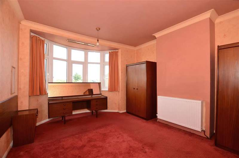 3 Bedrooms Terraced House for sale in Mount Road, Rochester, Kent