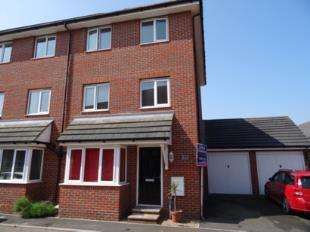4 Bedrooms Semi Detached House for sale in Faulkner Gardens, Wick, Littlehampton, West Sussex