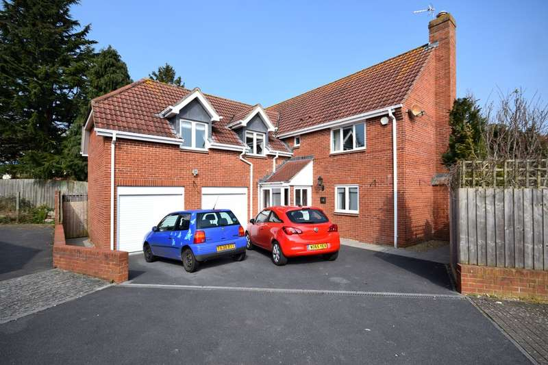 5 Bedrooms Detached House for sale in Woodleys Meadow, Livermead