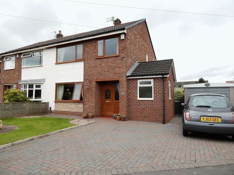 3 Bedrooms Semi Detached House for sale in Pineway, Fulwood, Preston.