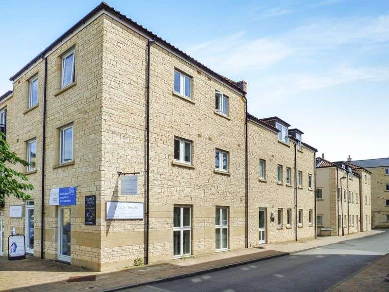 2 Bedrooms Flat for sale in Grist Court, Bradford-On-Avon
