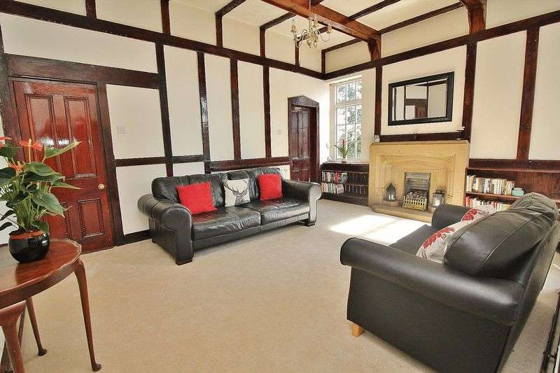 3 Bedrooms Semi Detached House for sale in Liverpool Road, Southport