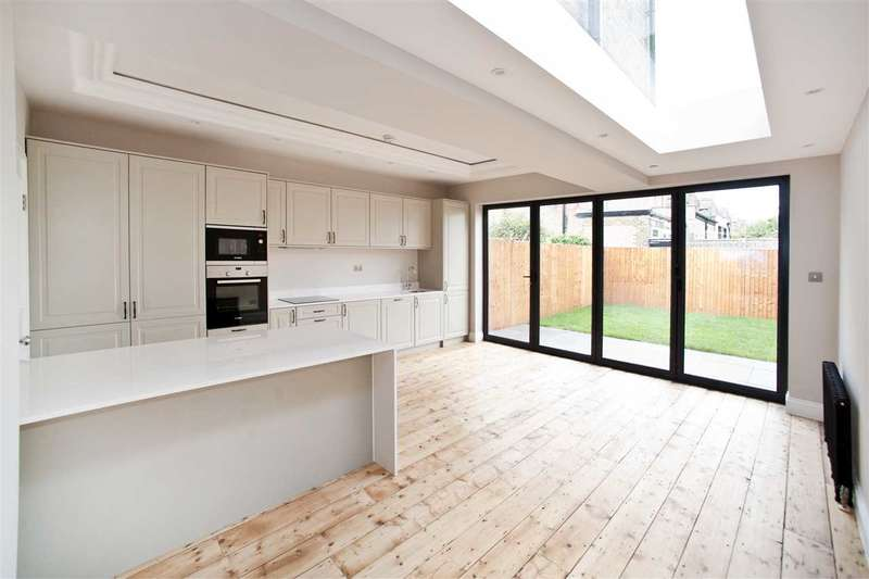 4 Bedrooms House for sale in Valetta Road, Acton