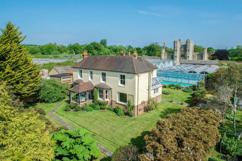 5 Bedrooms Detached House for sale in Titchfield, Hampshire