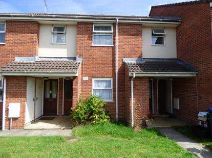 2 Bedrooms Flat for sale in Bulford Road, Durrington, Salisbury