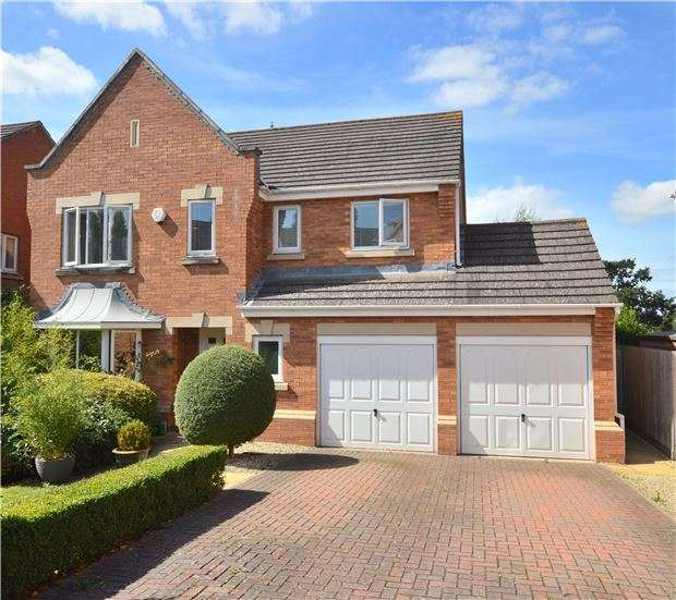 4 Bedrooms Detached House for sale in Galileo Gardens, CHELTENHAM, GL51 0GA