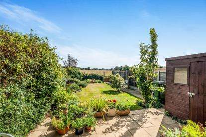 3 Bedrooms Terraced House for sale in West Dene, Gaddesden Row, Hemel Hempstead, Hertfordshire