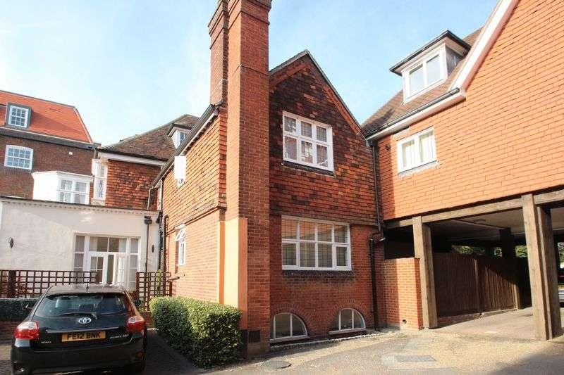 3 Bedrooms Semi Detached House for sale in East Street, Tonbridge