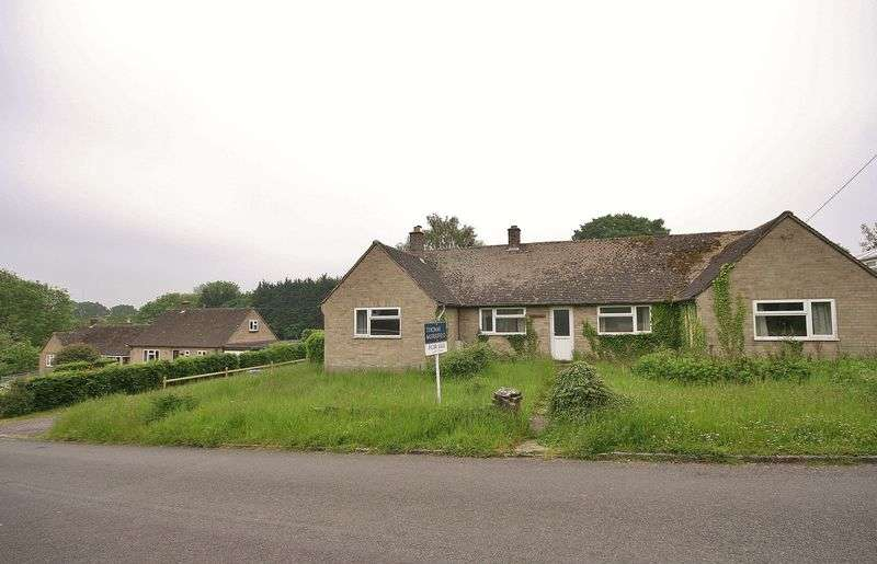 3 Bedrooms Detached Bungalow for sale in FINSTOCK, Kilmorie, High Street OX7 3DA