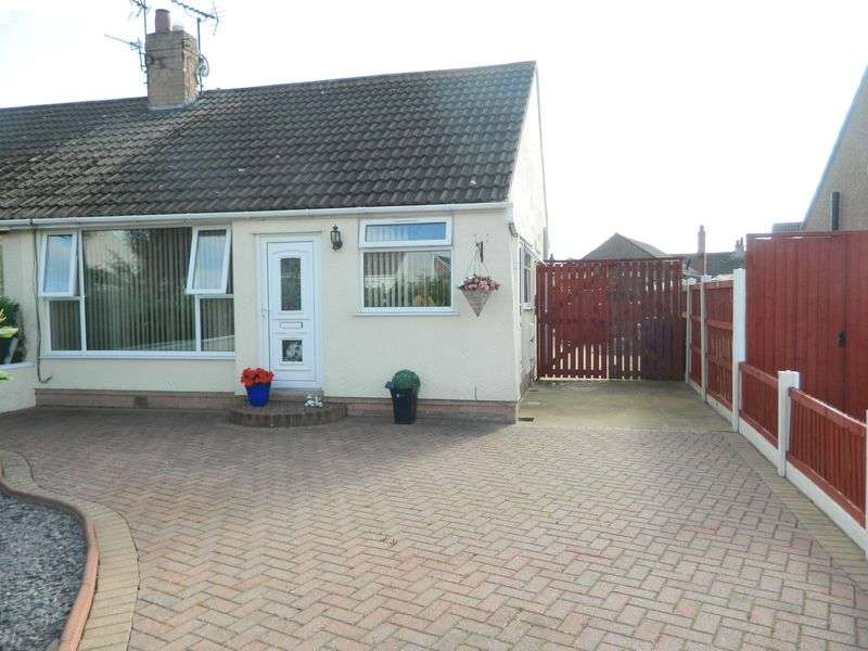 2 Bedrooms Semi Detached Bungalow for sale in Bangor Crescent, PRESTATYN