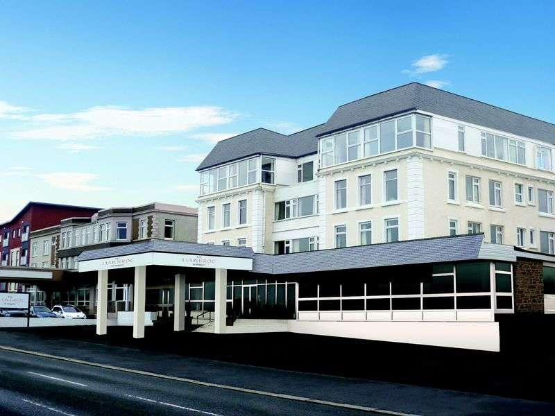 1 Bedroom Flat for sale in The Llawnroc Newquay, TR7 2RR