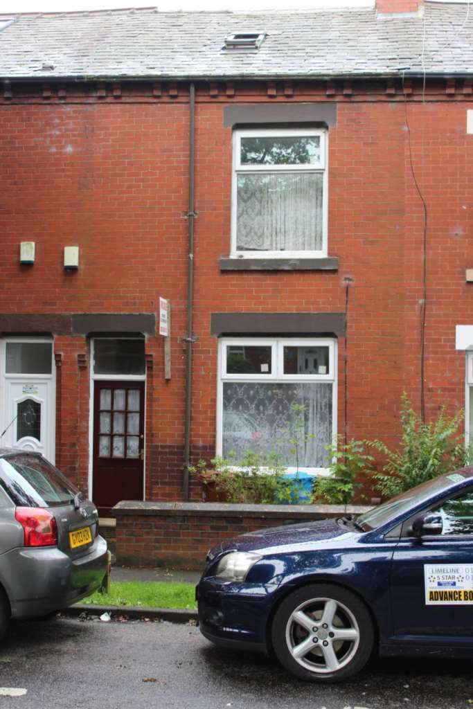 4 Bedrooms Terraced House for sale in Eric Street, Oldham, Clarksfield