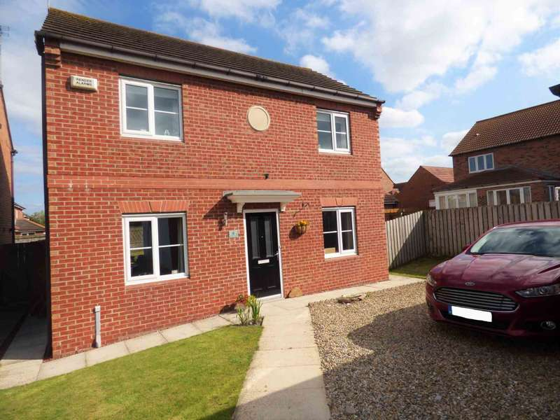 3 Bedrooms Detached House for sale in *** REDUCED *** Acorn Court, Redcar