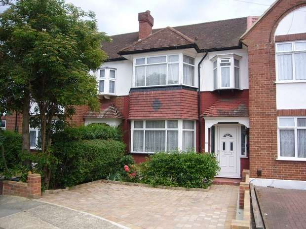 3 Bedrooms Terraced House for sale in West Court, North Wembley, Middlesex
