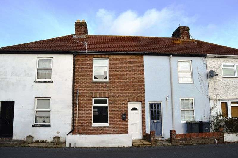 2 Bedrooms Terraced House for sale in Salterns Lane, Hayling Island