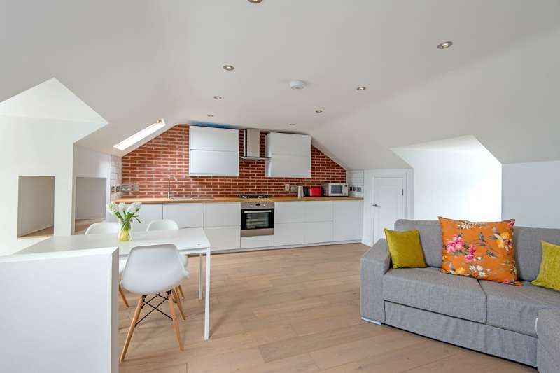 3 Bedrooms Flat for sale in Mansfield Road, Hampstead