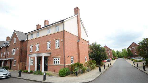 4 Bedrooms Semi Detached House for sale in Gabriels Square, Lower Earley, Reading