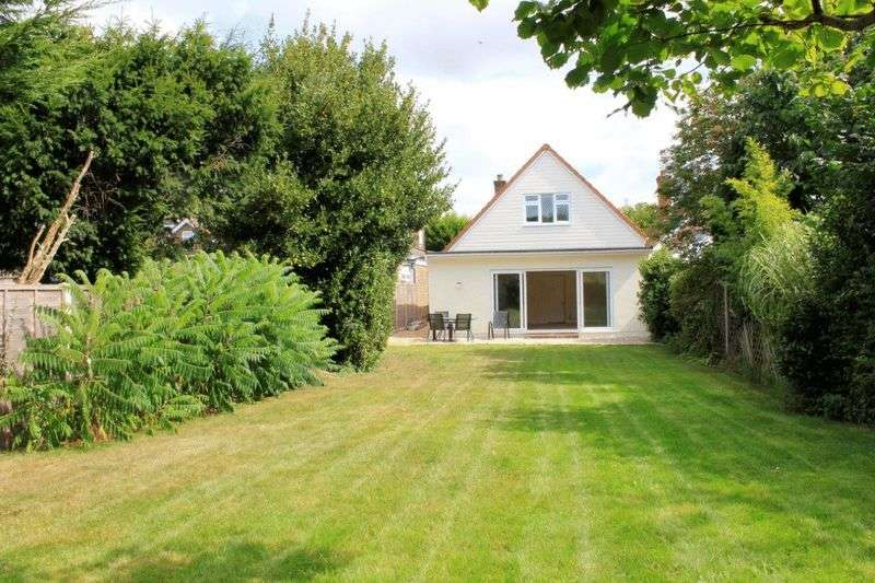4 Bedrooms Detached House for sale in Whyke Road, Chichester PO19