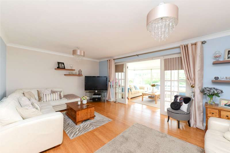 4 Bedrooms Detached House for sale in St. Andrews Road, Coulsdon