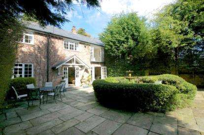 4 Bedrooms Semi Detached House for sale in Strawberry Lane, Wilmslow, Cheshire